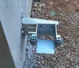 Улавливатель нижний роликовый ЭКО для откатных ворот